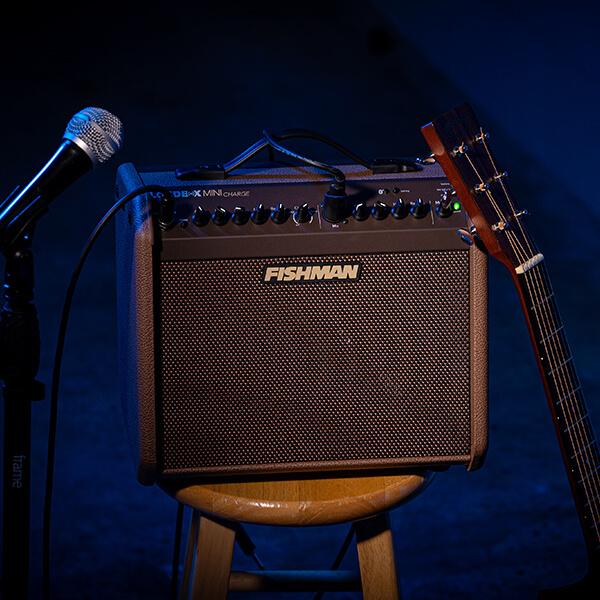 Fishman Loudbox Mini Charge on stool